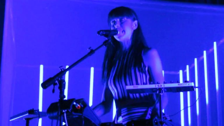 VIDEO: Kimbra – Top of The World (9:30 Club – Washington D.C. – 01/30/18)